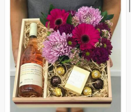 Wine, flower and candle hamper